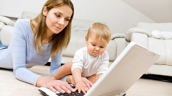 Совмещать работу, беременность, а потом и уход за ребенком - невозможно, так как организм матери в это время особенно требует отдыха. Именно поэтому возникает необходимость в уходе в так называемый «декретный отпуск»