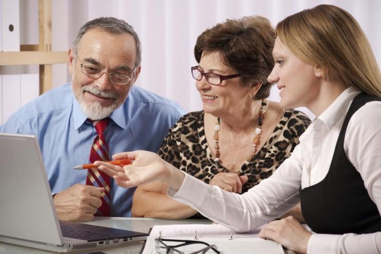 Если вы безработный и вам осталось два года до пенсии, можно оформить выплаты досрочно