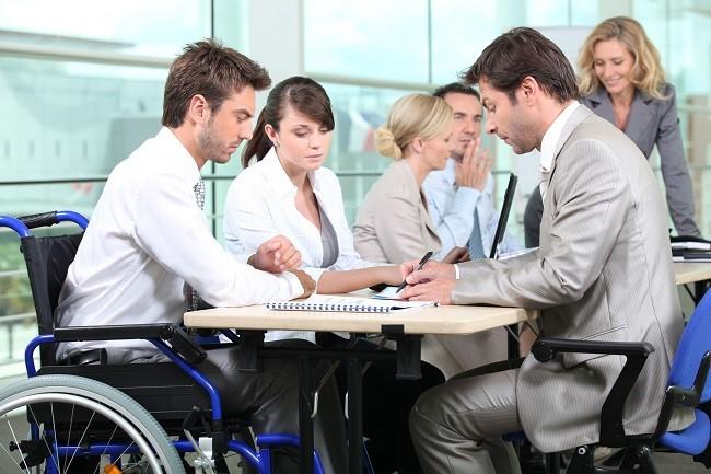 Взаимодействие сотрудников-инвалидов и работодателей имеет свои особенности