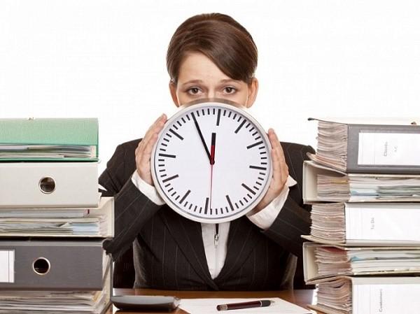 По сути, строится он на верной логике: чем большей будет степень сложности трудового процесса в организации, осуществляемого вами в ненормированном порядке, тем большим будет количество надбавленных к вашему основному отпускному периоду дней