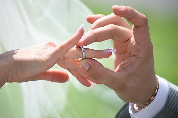 Вступление в брак родителя-одиночки — повод для прекращения выплаты двойного вычета