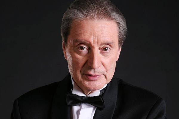 Популярный в свое время Вениамин Смехов, игравший Атоса в фильме «Три мушкетера», не удостоился титула «Народного артиста»