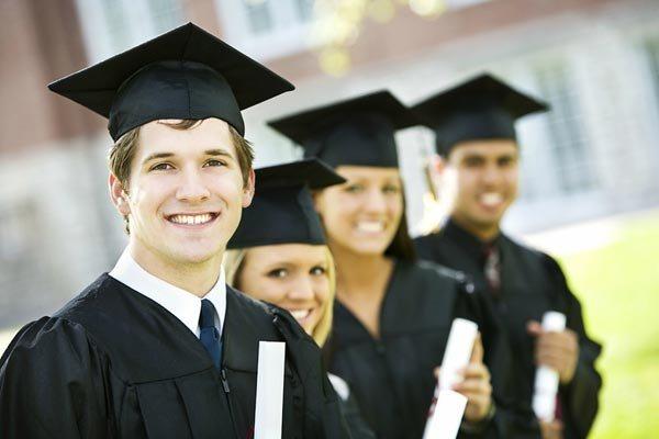 При рассмотрении вопроса о назначении субсидии учитывается мнение студенческого профсоюза и студенческой группы