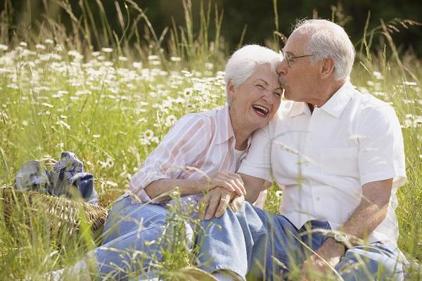 Положены ли выплаты супругам прожившим в браке тридцать лет