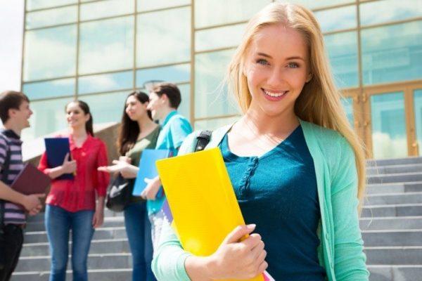 Ученик школы получает выплаты от государства до исполнения ему 18 лет