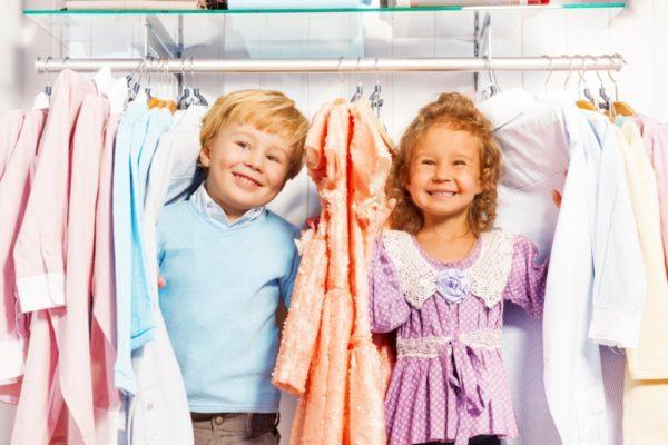 В определенных случаях можно возместить расходы на детскую одежду для школы