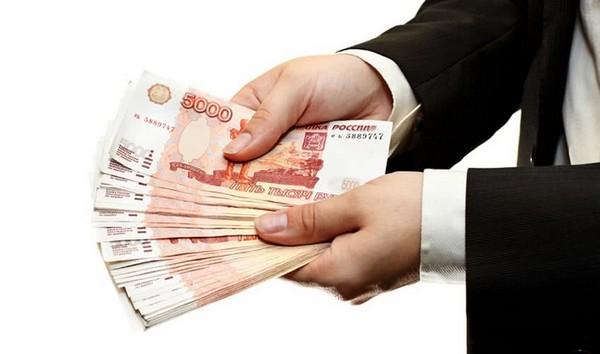 «Чистыми», как говорят в народе, депутаты Государственной Думы получают 347, 5 тысячи рублей.