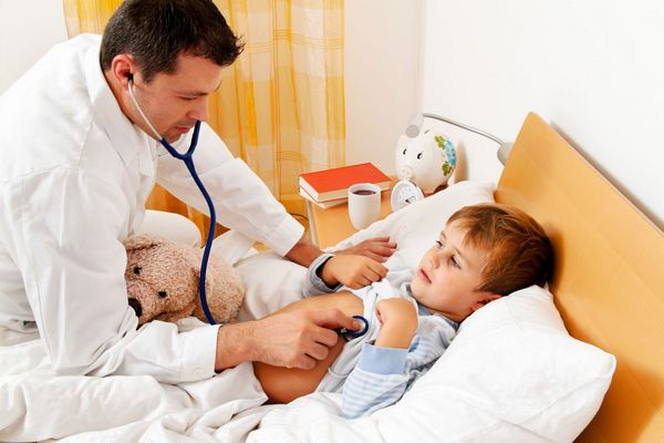 Продолжительность больничного зависит от возраста ребенка