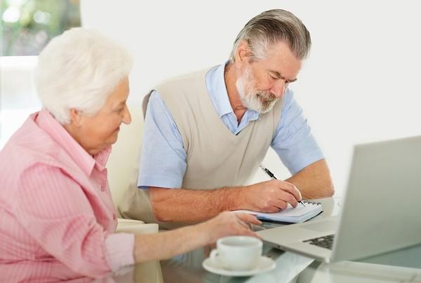 При смерти гражданина пенсию за него могут получить близкие родственники