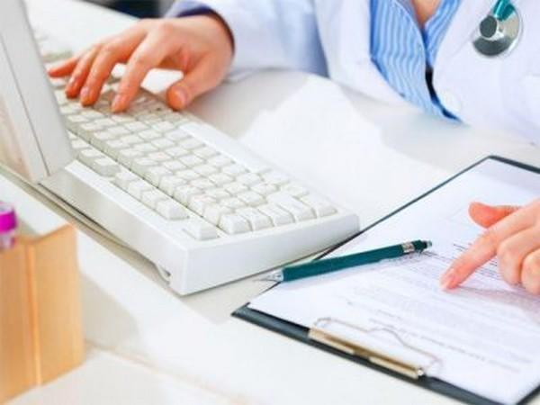 Как правило, выплаты за больничный выдаются вместе с зарплатой