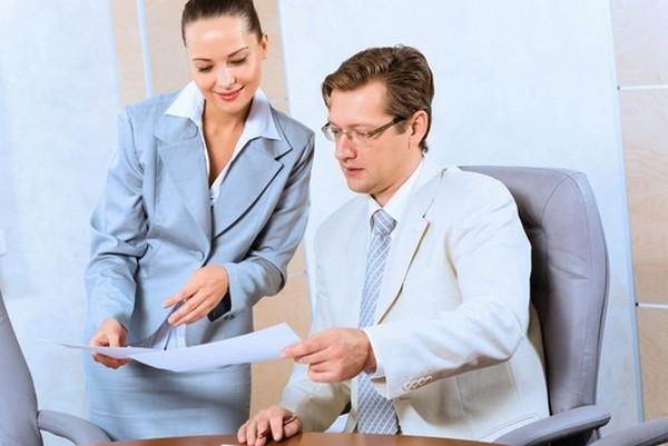 Для оформления пенсии у сотрудника госслужбы должно быть не менее 16,5 лет (в 2019 году) соответствующего стажа