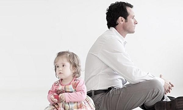 Возможна отмена отцовства при инициативе ребенка, отца или заинтересованных лиц