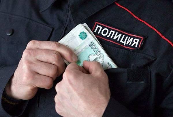 Сотруднику полиции, который переехал на другое место службы, выплачивается подъемное пособие (согласно статье 3 №247-ФЗ)