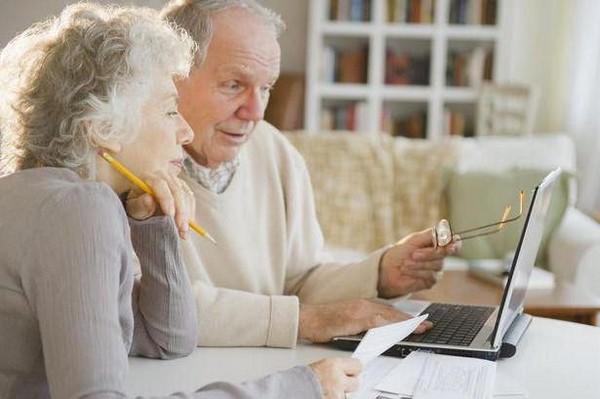 Чтобы получать смешанную пенсию, нужно иметь минимум 10 лет гражданского стажа