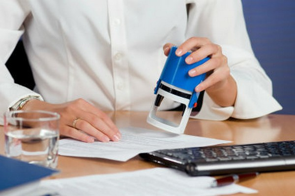 Больничный лист нужно предоставить работодателю в течение 6 месяцев с его получения