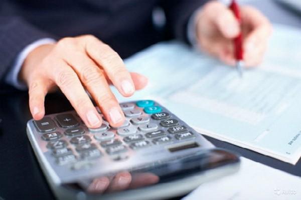 Во время отпуска зарплата повышается нечасто, однако в таком случае сотрудник должен получить дополнительную часть отпускных