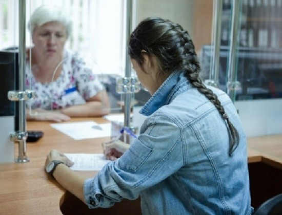 Данное пенсионное начисление полагается гражданам, которые не достигли еще совершеннолетия, или достигли его, но обучаются в университете на очной форме