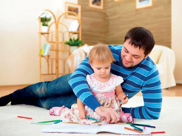 Юридически одинокие отцы приравниваются к одиноким матерям