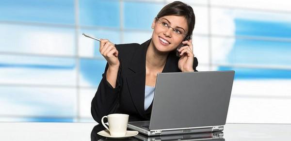 Чтобы работнику была начислена компенсация за период болезни, необходимо выйти на работу до того, как закончится декретный отпуск
