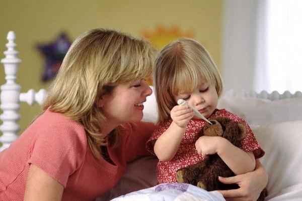 Если ребенок не выздоровел по окончании отпуска, сотрудник имеет право не выходить на работу до окончания действия листка нетрудоспособности