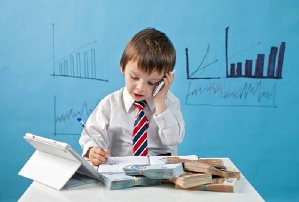 На увольнение несовершеннолетнего работодатель должен испросить разрешение у нескольких официальных инстанций