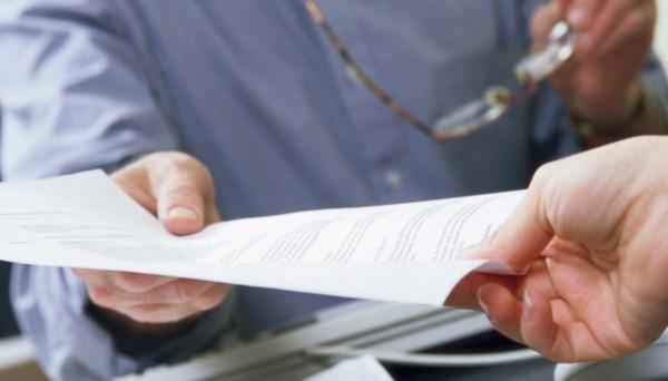 Нужно предоставить больничный лист не позднее, чем через 30 дней после увольнения