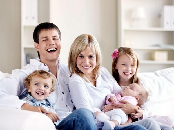 Президент выдвинул предложение о дополнительной помощи семьям, у которых родился третий ребенок