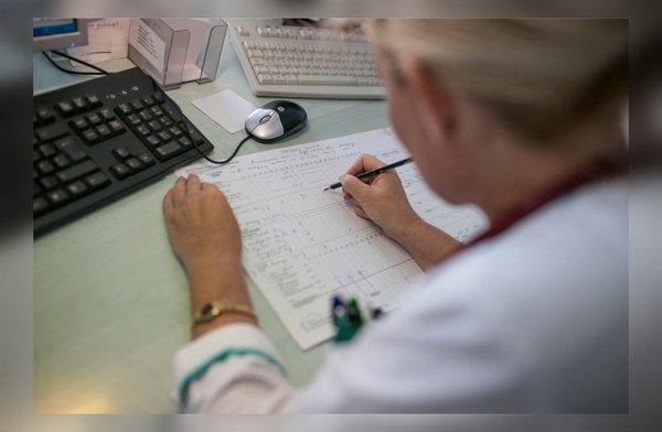 Врач обязан выписать больничный