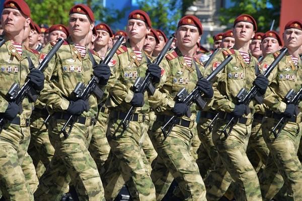 Период прохождения службы в Вооруженных силах РФ также относится к трудовому стажу