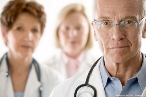 Для выявления связи болезни и работы гражданина созывается медико-социальная экспертиза