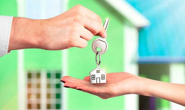 Если деятельность (сдача квартиры) зарегистрирована в ЕГРИП, человек может получить налоговый профессиональный вычет на содержание жилья