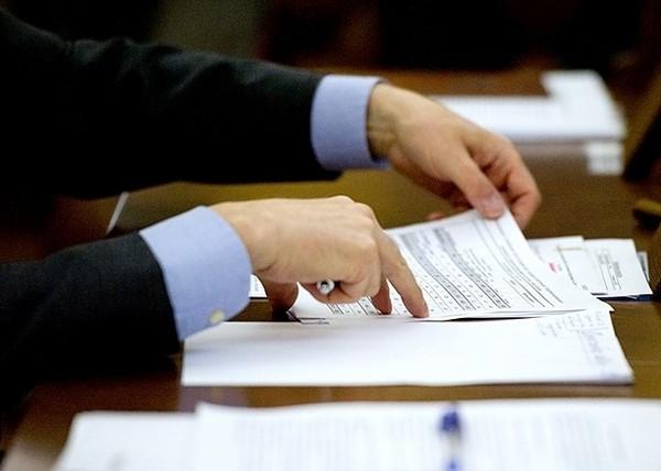 Как правило, заявка на получение сертификата рассматривается в течение месяца