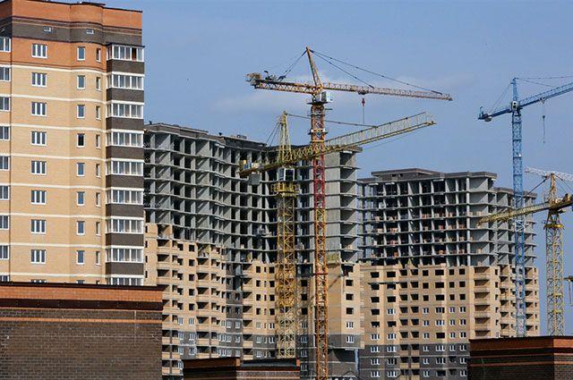 Многие семьи приобретают квартиры в строящихся домах, поскольку они обходятся дешевле