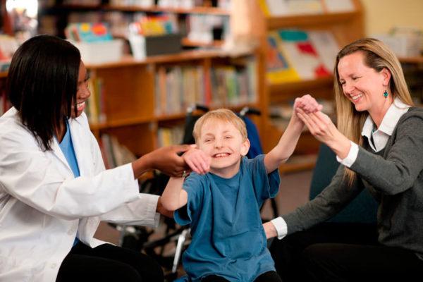 Опекуны инвалидов второй группы имеют право на ряд льгот