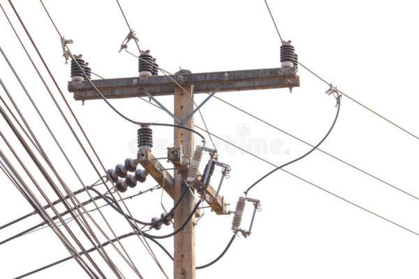 Подключение дома к электросети зависит от его местоположения