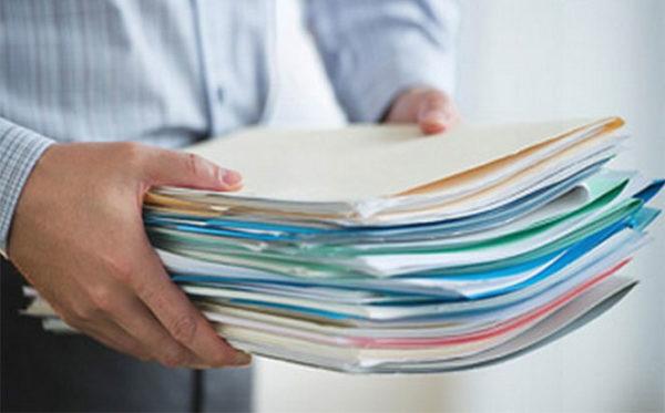 При обращении к нотариусу с собой следует иметь все необходимые документы