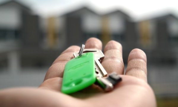При положительном результате рассмотрения ПФР по ипотеке со средств МСК через месяц деньги из бюджета поступят либо на счет продавца, либо в банк