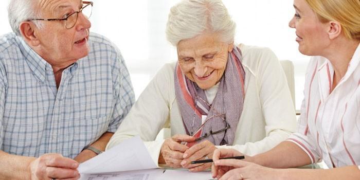 При выборе страховой пенсии, 6% указанных отчислений за работника будут перенаправлены полностью на страховую пенсию