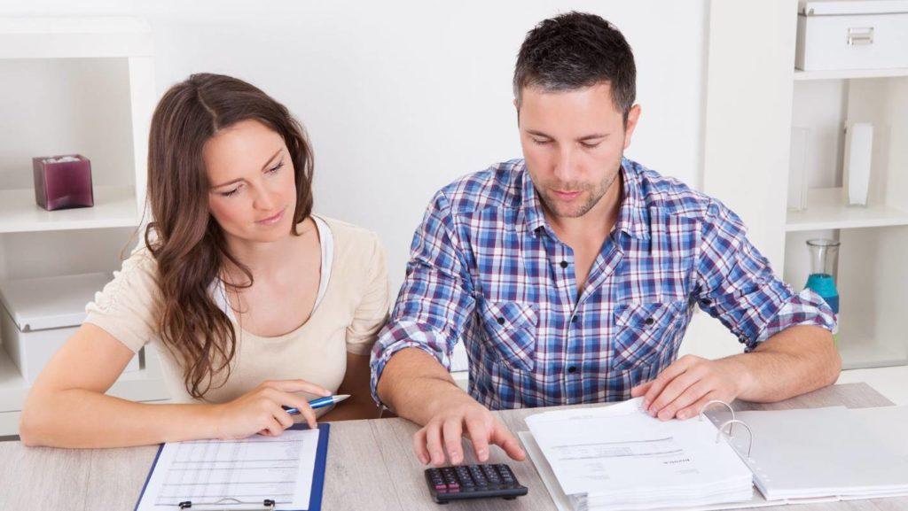 При составлении заявления на получение статуса малоимущей семьи важно учитывать все доходы