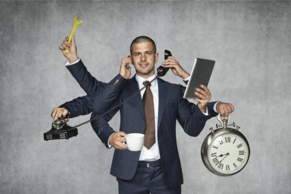 Если лицо выполняет трудовую деятельность в 2 и более компаниях, выплата осуществляется по всем рабочим местам