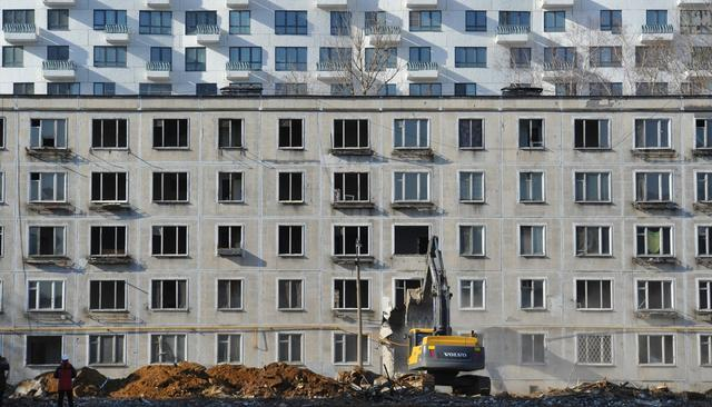 В категорию нуждающихся в разных регионах входят жильцы разных типов квартир и домов