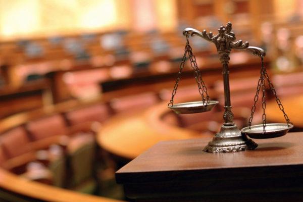 В случае отказа в опекунстве, вопрос следует решать сначала повторным обращением в вышестоящее (районное, областное) отделение и только после этого обращаться в суд
