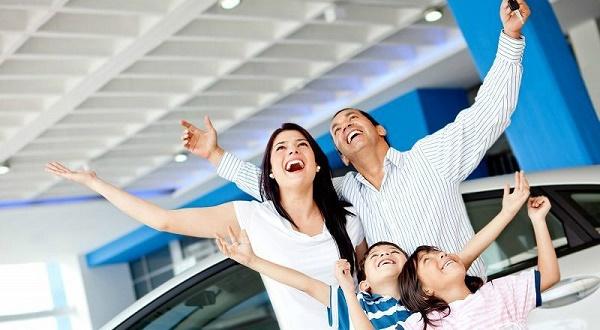 За последние годы материнский капитал вырос в размере настолько, что на него можно купить хороший подержанный автомобиль, а в минимальной комплектации даже взять его из салона
