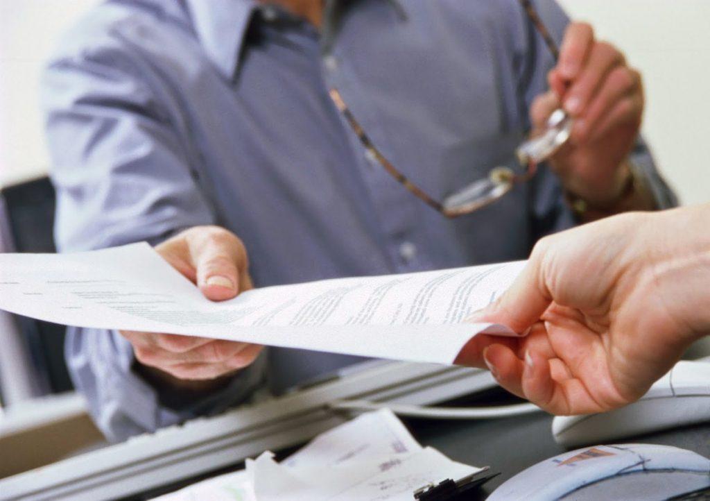 Перед сбором бумаг желательно побеседовать с юристом и получить несколько советов