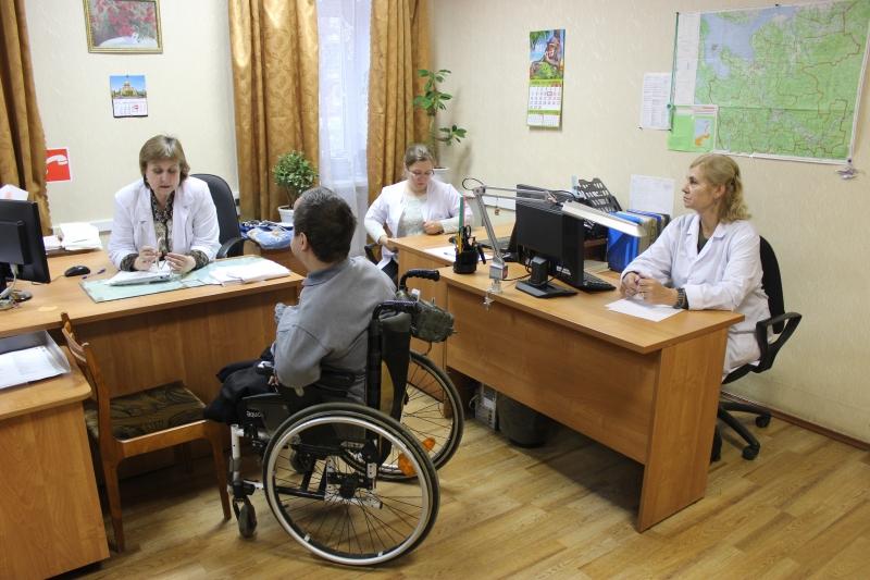Медицинское освидетельствование представляет собой осмотр претендента на инвалидность несколькими врачами