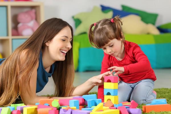 Можно использовать средства материнского капитала для оплаты услуг няни, детских садов, школ и проч.