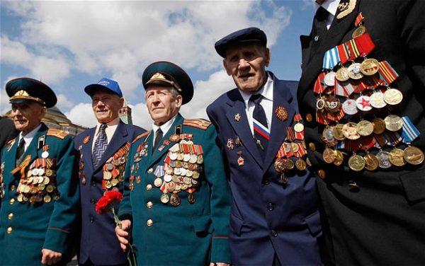 Если у человека есть знак «Отличник Советской Армии», он может претендовать на звание «Ветеран труда»