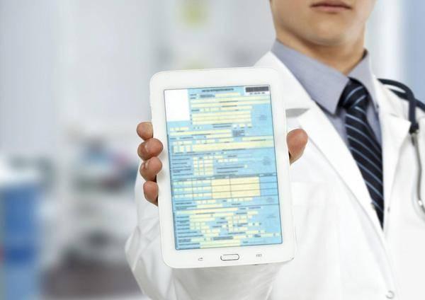 Больничный может быть оформлен в электронном формате – это позволяет упростить процедуру его получения и защититься от поддельных документов