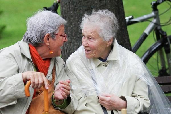 На пенсии досуг должен быть максимально разнообразным: стоит больше общаться, посещать какие-либо курсы, учиться чему-то новому