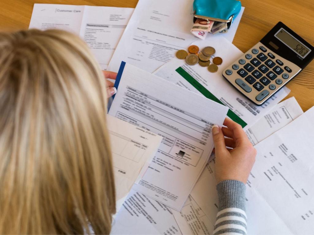 Существует несколько основных разновидностей имущественных налогов, большая часть которых облагает сборами физических лиц